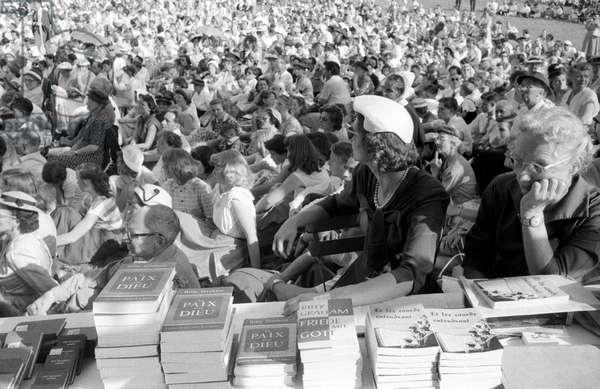 People listening to a sermon by Billy Graham in Geneva, Geneva, Switzerland
