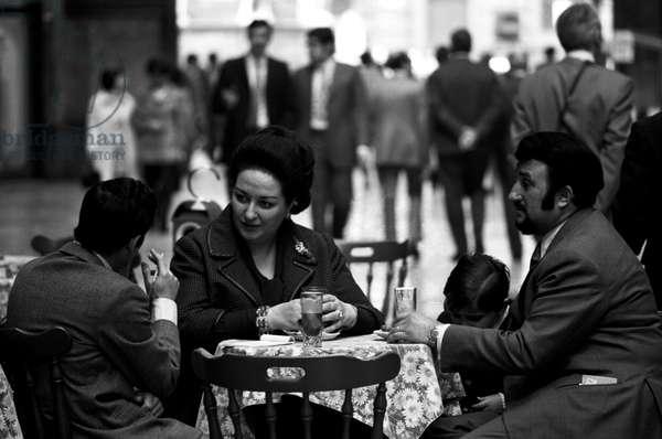 Montserrat Caballé interviewed by Giuliano Ranieri, 1971 (b/w photo)