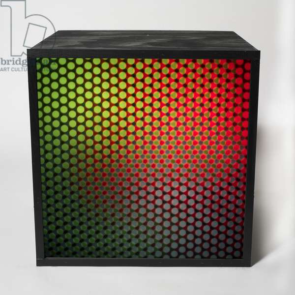Three Colour Structure (Struttura tricroma), 1964 (four cubic elements in wood and metal, flush screen, rear lighting system with additive color synthesis and four electromechanical motors)