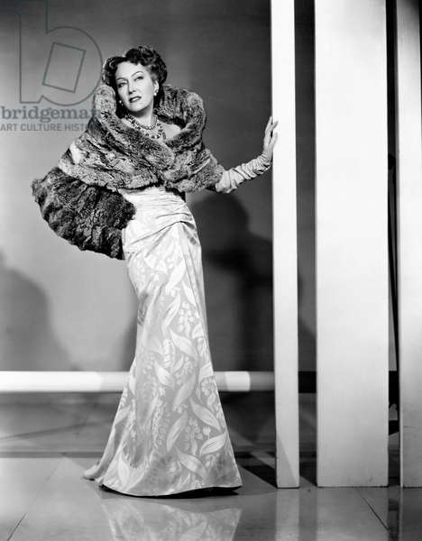 Gloria Swanson with an elegant evening dress