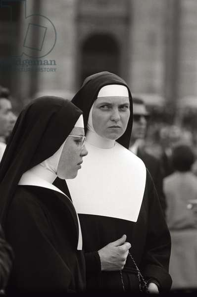 Two nuns in St. Peter's Square