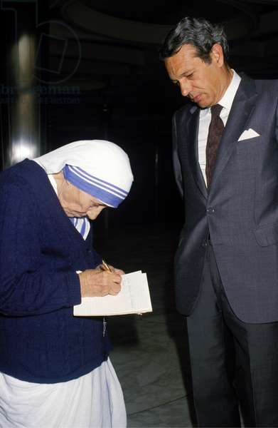 Joaquin Navarro-Valls and Mother Teresa of Calcutta, Holy See, 1987 (photo)