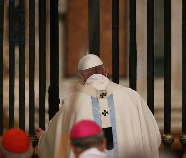 Pope Francis, Italy, 2016 (photo)