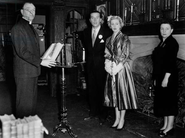 Taylor Holmes, Ray Milland, Jan Sterling and Elsie Holmes looking surprised