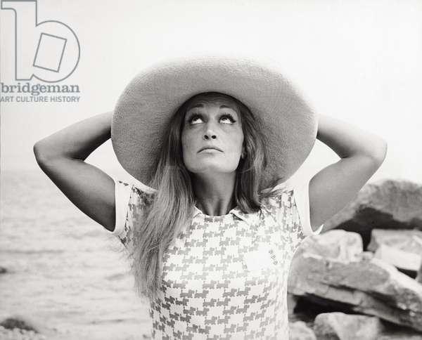 Dalida, 1968 (b/w photo)