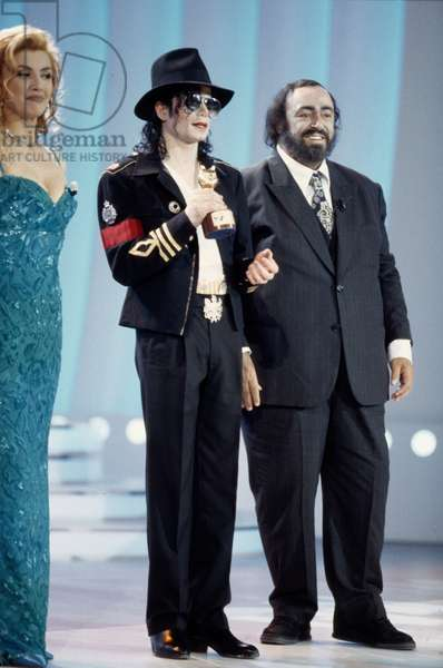 Michael Jackson guest of honor at the Telegatti, between Milly Carlucci and Luciano Pavarotti, Milan, Italy