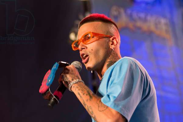 Deejay on stage, Sfera Ebbasta in concert, 2018 (photo)