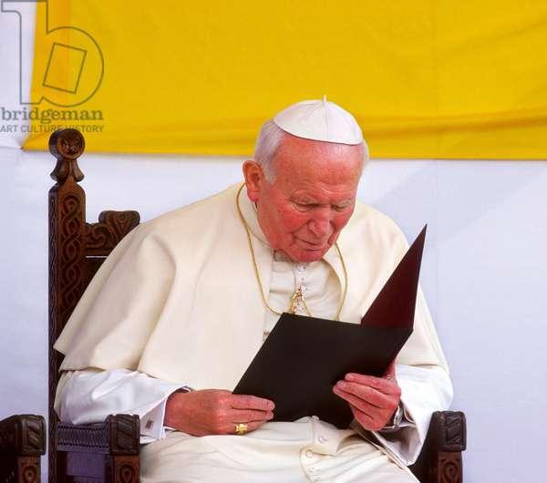 Pope John Paul II, Bucarest, Romania