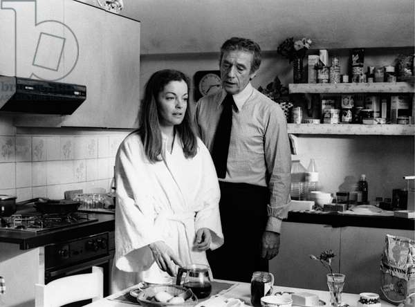 Romy Schneider and Yves Montand in the kitchen, France