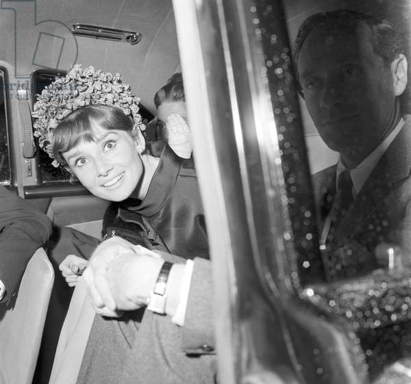 Audrey Hepburn with her husbad Mel Ferrer (b/w photo)