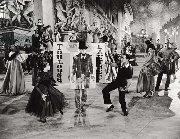 Leslie Caron and Gene Kelly in 'An American in Paris', 1951 (b/w photo)