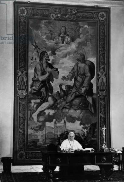 Pope John XXIII in his office