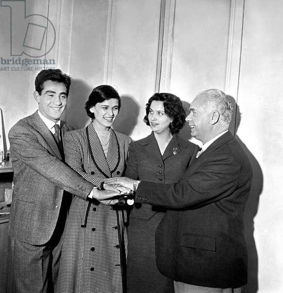 Achille D'Angelo with Walter Chiari and Lucia Bosè, Italy, 1950 (b/w photo)