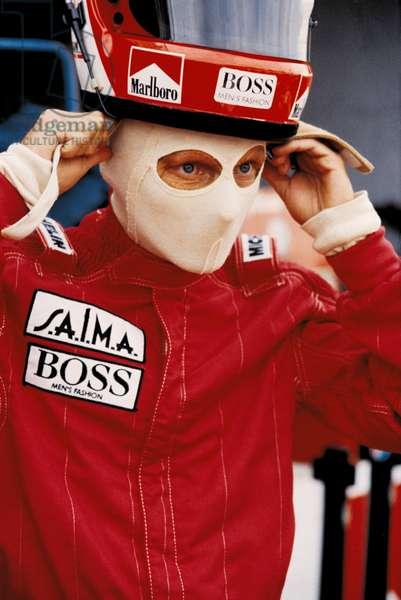 Niki Lauda wearing the helmet