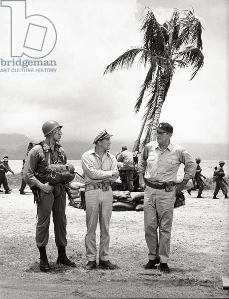 Kirk Douglas and John Wayne in a scene of 'In Harm's Way' (b/w photo)