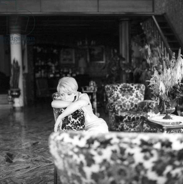 Rita Pavone in the livingroom of her villa in Ariccia, Ariccia, Italy