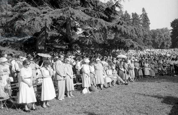 People listening to a Billy Graham's sermon in Geneva, Geneva, Switzerland
