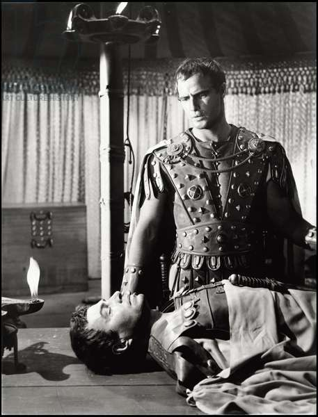 American actor Marlon Brando as Mark Antony (Marc Antoine) in 'Julius Caesar' (