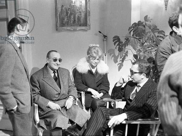 Peppino De Filippo, Totò, Cristina Gaioni and Aroldo Tieri on the set of Letto a tre piazze, Italy, 1960 (b/w photo)