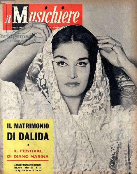 Dalida on a weekly magazine cover