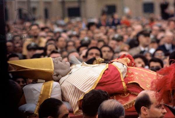 The dead body of Pope John XXIII, Italy, 1963 (b/w photo)