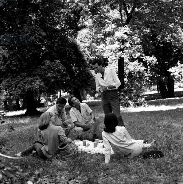 Friends on picnic, Italy