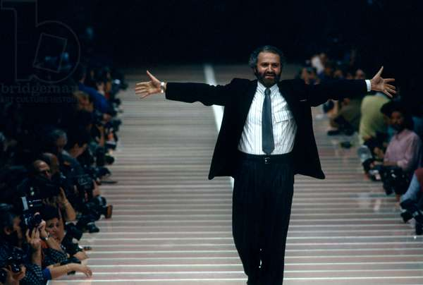 Gianni Versace on the runway, 1986 (photo)