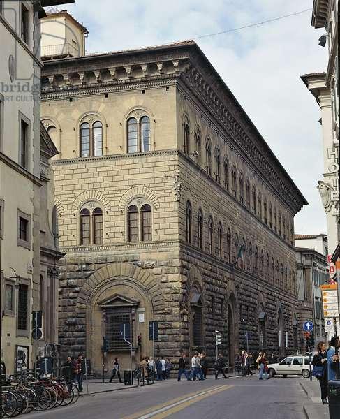 Prefecture Palace in Florence  - Medici-Riccardi Palace (Palazzo della Prefettura di Firenze - Palazzo Medici-Riccardi), by Michelozzo di Bartolomeo Michelozzi known as Michelozzo, 1444 - 1459, 15th Century