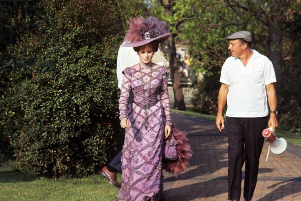 Gene Kelly and Barbra Streisand on the set of the film Hello, Dolly! (photo)