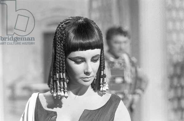 Elizabeth Taylor on the set of the film 'Cleopatra', 1961 (b/w photo)