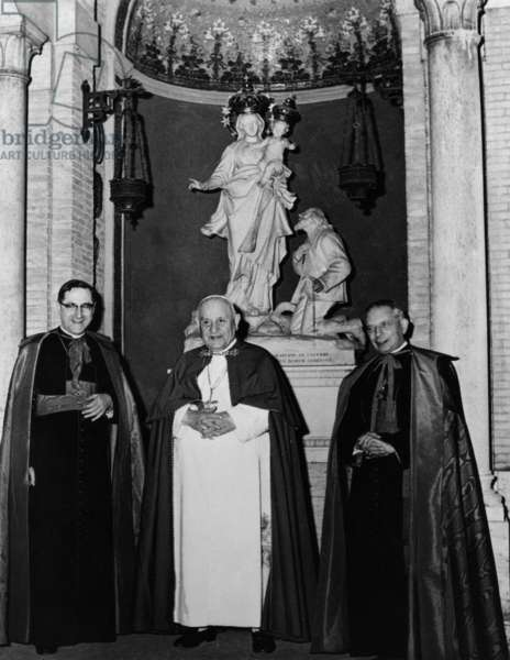 Pope John XXIII with Giovanni Siri and Giacomo Lercaro