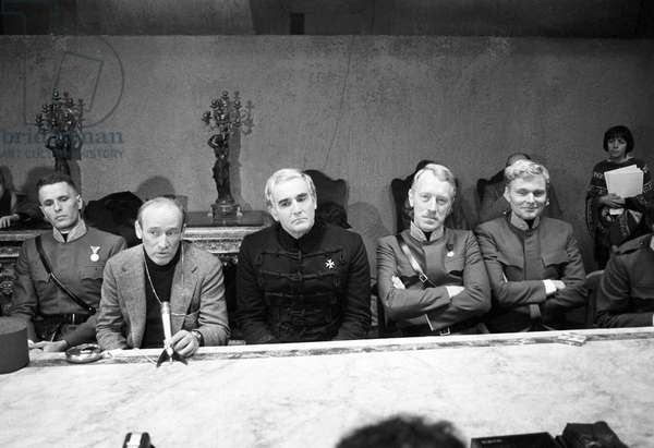 Max von Sydow, Giuliano Gemma, Valerio Zurlini, Vittorio Gassman and Helmut Griem on the film set of The Desert of the Tartars (b/w photo)