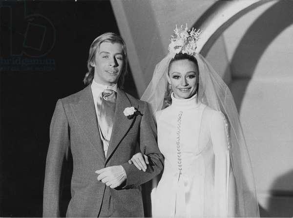 Raffaella Carrà and Enzo Paolo Turchi getting married in Canzonissima