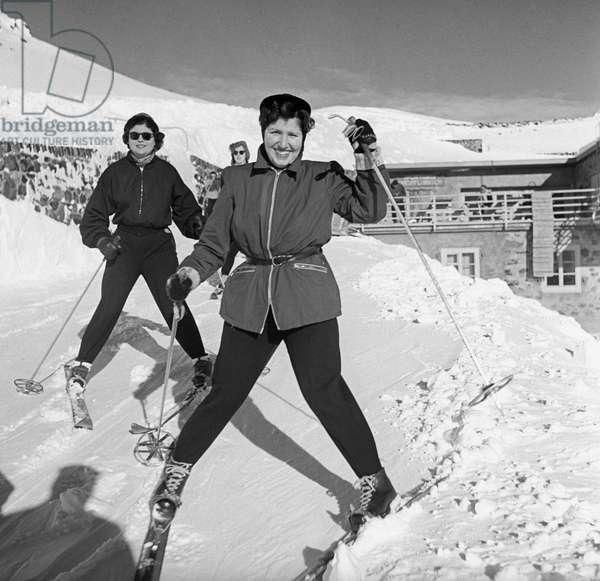 Women skiing in Sestriere, Sestriere, Italy