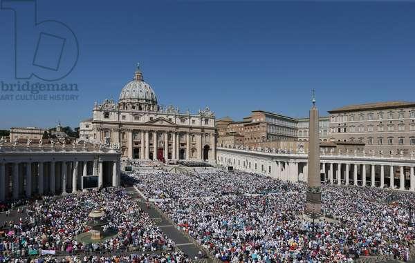 Mother Teresa Canonization, Vatican, 2010 (photo)