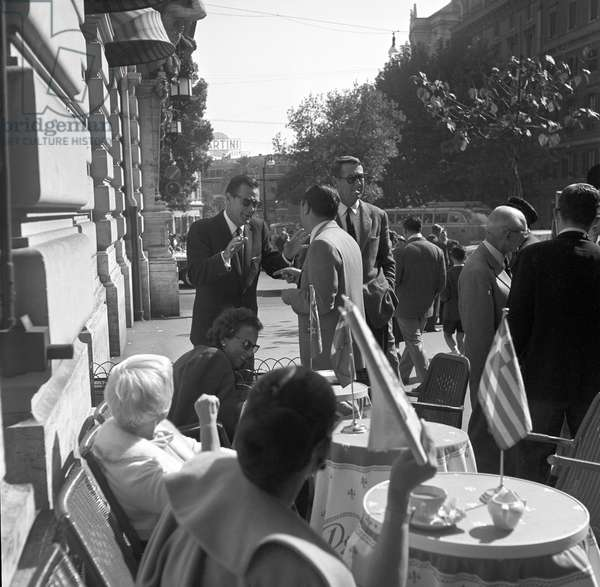 William Holden in Rome (b/w photo)