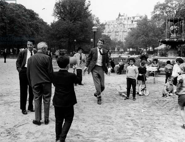 Peter O'Toole in a park, 1965 (b/w photo)