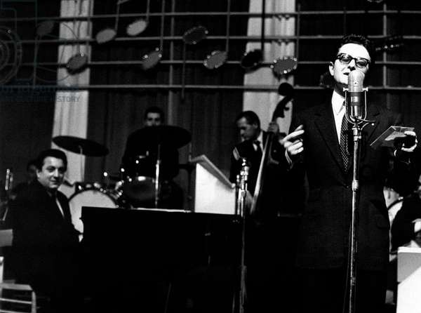 Jimmy Fontana and Marino Marini on a stage