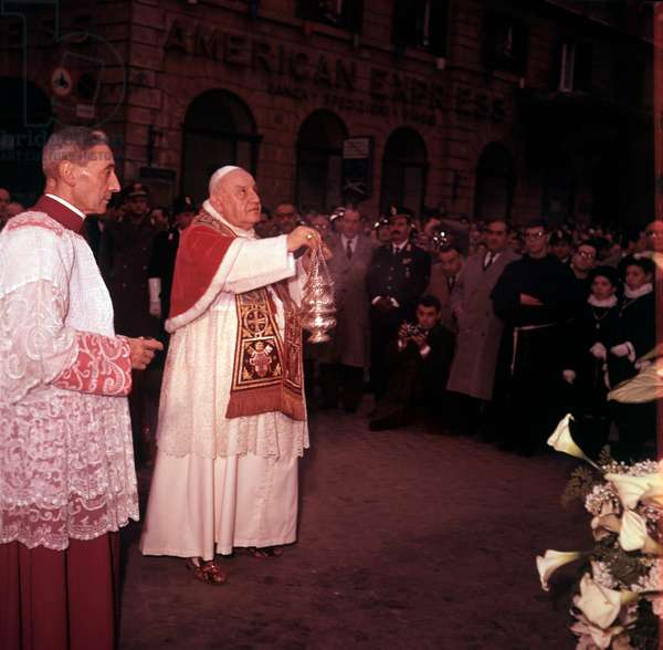 Pope John XXIII blessing the Column of the Immaculate Conception, Rome, Italy