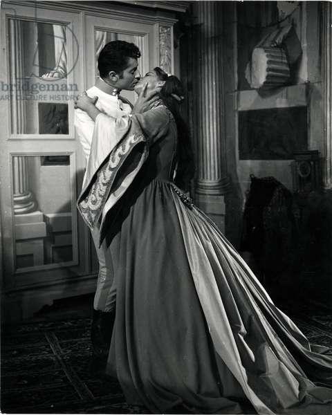 Alida Valli and Farley Granger in a scene of the film Senso