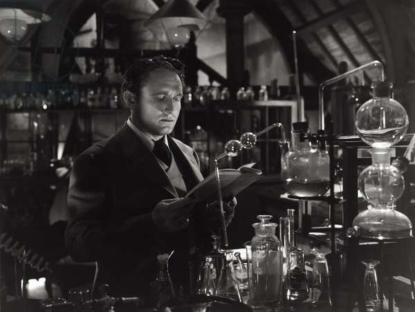 Spencer Tracy n a scene from the movie 'Dr. Jekyll and Mr. Hyde', 1941 (b/w photo)