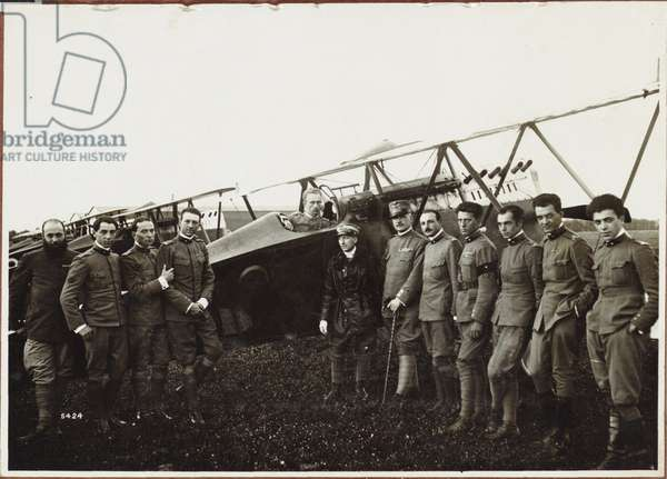 Raid on Vienna. Major D'Annunzio and the pilots who flew over Vienna, Vienna, Austria