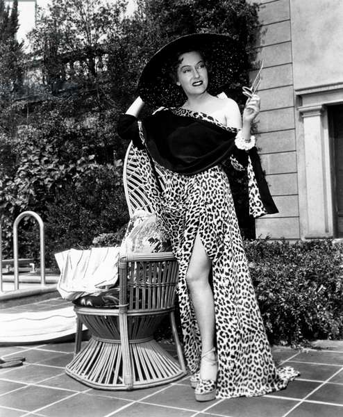 Gloria Swanson in a curious outfit