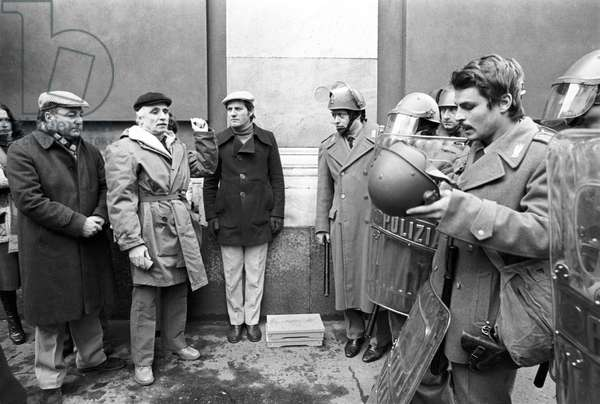 Mario Monicelli and Michele Placido in Come Home and Meet My Wife (b/w photo)