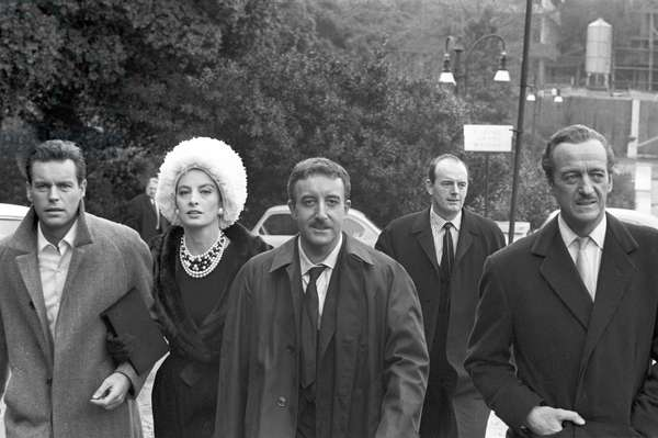Robert Wagner, Capucine, Peters Sellers and David Niven on set of the film 'The Pink Panther', 1963 (b/w photo)