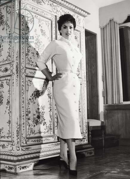 Gina Lollobrigida wearing an elegant dress, 1950s (b/w photo)