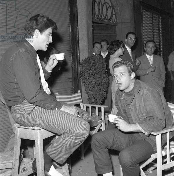 Renato Salvatori and Vittorio Gassman on the film set of Fiasco in Milan (b/w photo)