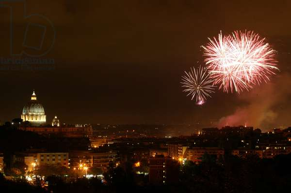 Fireworks for the 25 years as pope of Pope John Paul II, Vatican, 2003 (photo)