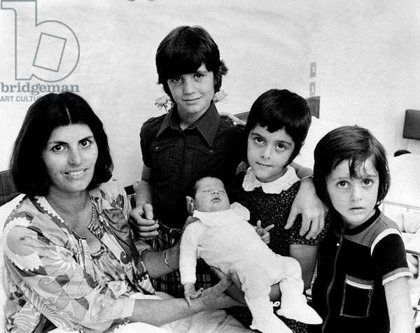 Jimmy Fontana's wife with her children
