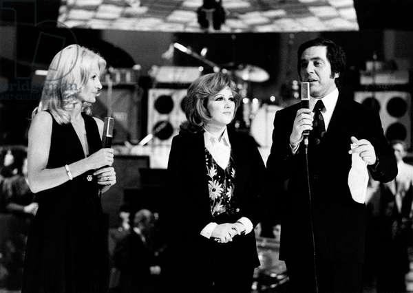 Orietta Berti, Gabriella Farinon and Corrado on stage